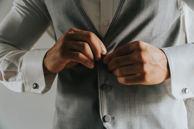 What Color Suit Should You Wear to a Wedding?
